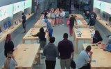 Tatbikat Gevşekliğinde Apple Store'da Soygun Yapan Hırsızlar