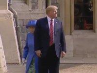 Donald Trump'ın İngiltere Kraliçesini Takmaması