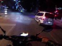 Yaralı Martıya Yardım Eden Motosiklet Sürücüsü