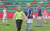 2018 Dünya Kupası Finalini Taklit Eden Çocuklar