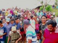 Endonezya'da Öfkeli Köylülerin Timsah Katliamı