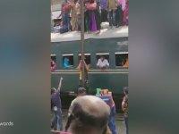 Hindistan'da Sıradan Bir Tren Yolculuğu
