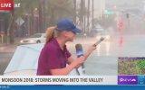 Kadın Muhabirin Yağmurlu ve Rüzgarlı Havada Perişan Olması
