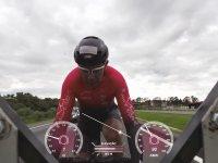 Bisiklet Üzerinde Rekor Hızlara Ulaşan Adam