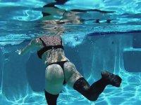 Su Altı Sporu Yapmaya Çalışan Hatun
