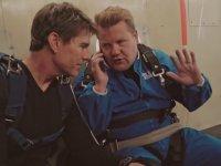 Tom Cruise İle Paraşütle Atlamaya Giden James Corden