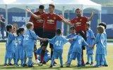 100 Çocuğa Karşı Manchester United'ın 3 Futbolcusu