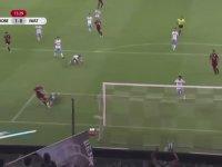 Andres Iniesta'nın Bergkamp Golü Atması