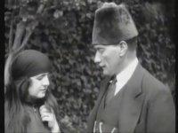 Atatürk'ün Eşi Latife Hanım ile Konuşması
