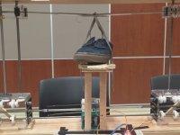 Kendi Kendine Ayakkabı Bağcığı Bağlayan Robot