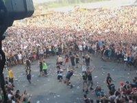 Lise Kavgalarını Andıran Rock Konseri
