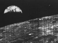 Dünya'nın Ay'dan Çekilmiş İlk Görüntüsü