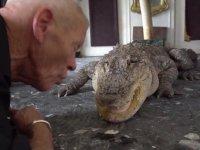 Fransız Adamın Evini Hayvanat Bahçesine Çevirmesi