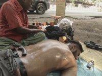 Hindistan Sokak Masajı