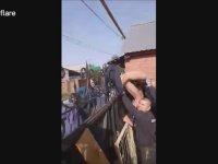 Polisten Kaçarken G.te Gelmek