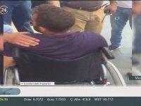 Tıpış Tıpış Yürümeye Başlayan Engelli Sandalyedeki Dilenci