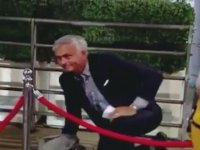 İpten Atlayamayan Mourinho'nun Yere Kapaklanması