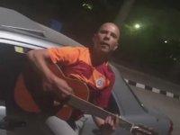 Galatasaray - Lokomotiv Moskova Maçı Gitarlı Kutlama (Süpriz Sonlu)