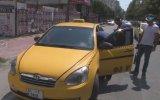 Taksisini Yolun Ortasına Park Eden Alkollü Taksici