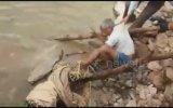 Yardım Eden Köylüye Saldıran Yaralı Leopar