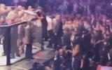 McGregor  Khabib Maçı Sonrası Yaşanan Kavga