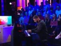 Piyanoyla Çav Bella Çalan Umut Bozok
