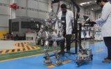 Akınsoft'un Yeni Yürüyen Robotu
