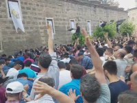 Mesir Macunu Festivalinde İzdiham (Eller Havaya)