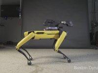 Boston Dynamics'in Köpeğinin Dans Etmesi