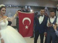 Silah Arkadaşına Düğünde Sürpriz Yapan Komandolar