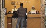 4 Dil Bilen İnsansı Robotların Otelde Çalışması