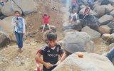 Çocukların Köylerinde O Ses Türkiye Yarışmasını Canlandırması