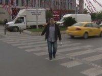 Haber Çekiminde Muhabirin Yaya Geçidi ile İmtihanı