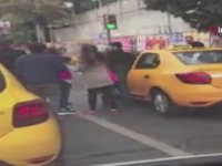 Yolcu Alma Nedeniyle Kavgaya Tutuşan Taksiciler