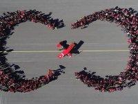 Cumhuriyet Bayramına Özel Gösteri Yapan Kadın Akrobasi Pilotu