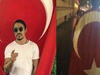 Nusret'in Türk Bayrağıyla New York Sokaklarında Dolaşması