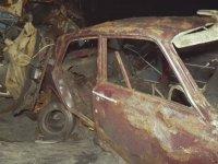 Terkedilmiş Arabalar Mağarası