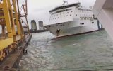 Yolcu Gemisinin Kıyıdaki Vince Çarpması