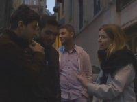 İngiliz Kadın İstanbul Genelevi Sokaklarında!