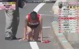 Bacağı Kırılmasına Rağmen Yarışa Devam Eden Japon Sporcu