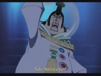 One Piece - Luffy'nin Kutsal Ejder'e Attığı Efsanevi Yumruk