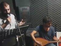 Sesi Ahmet Kaya'ya Benzeyen Özgür Tüzer