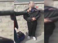 Suçüstü Yakalanan Hırsızın Vatandaşa Yalvarması