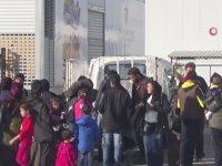 Suriyelilerin Halay Çekerek Ülkelerine Gitmesi