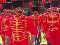 Venezuela Askerlerinin Resmi Törende İstiklal Marşı'nı Okuması