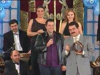İbrahim Tatlıses'in Zorlama Perküsyon Esprisi (2001)