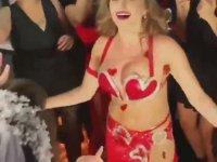 Dansöz Anastasia Biserova'nın Türkçe Türkiye Açıklaması