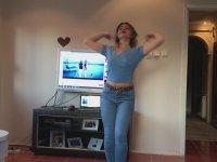 Evde Tek Kalınca Havaya Giren Türk kızı