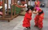 İlgi Odağı Olan Aslan Dansı
