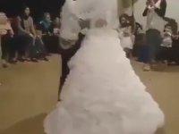 Düğünde Çılgınlık Yapmak